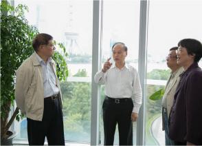 上海化工行业协会会长金明达一行莅临国烨跨境参观指导
