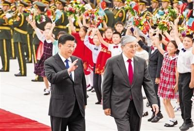 习近平同哈萨克斯坦总统托卡耶夫会谈 两国元首一致决定发展中哈永久全面战略伙伴关系